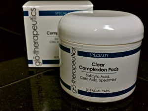 Picture of glo.therapeutics Clear Complexion Pads